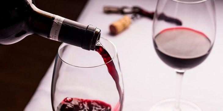 Abrir garrafa de vinho sem saca-rolhas