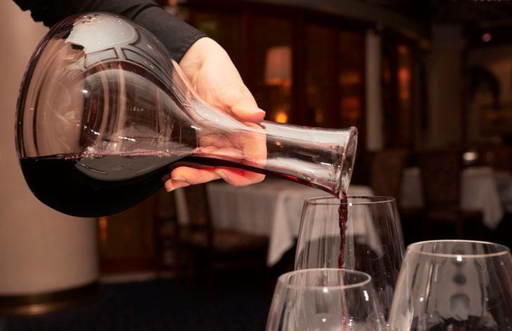 Decantar x aerar vinho